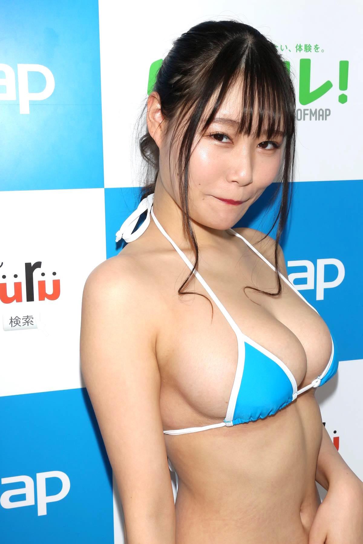 東坂みゆ「ロケット爆乳」がダンスで揺れて弾ける!【写真42枚】の画像017