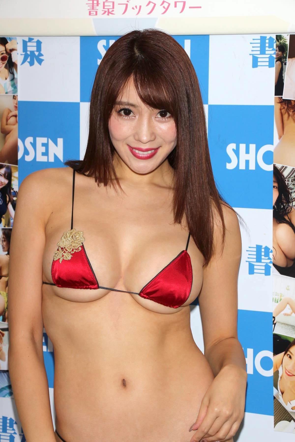 森咲智美の水着画像8