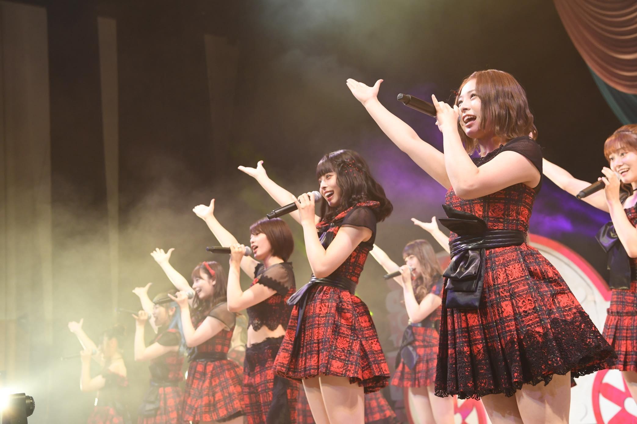 AKB48チーム8大阪公演開催、OGメンバーも集結!【写真22枚】の画像001